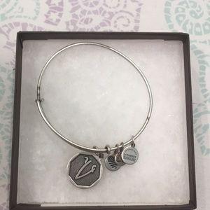 "silver letter ""V"" bracelet"